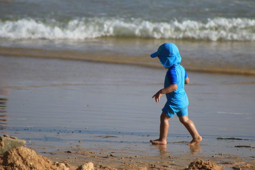 enfant plage risque soleil